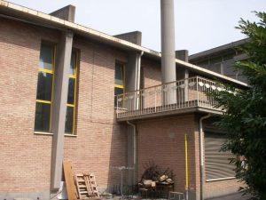 Melozzo degli Ambrogi - palestra Vista esterna edificio facciata sud 2