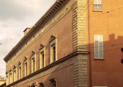 Vista della facciata su via Saragozza, a fine lavori