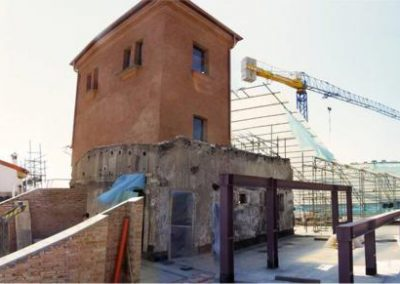 Murature sottotetto risanate/ricostruite, n. 2 travi Vierendeel in acciaio (luce 9,50 m circa) per sostegno sottotetto + copertura e altana restaurata