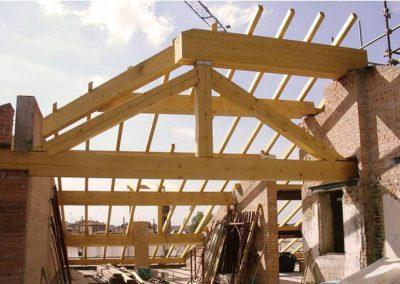 Risanamento/ricostruzione muri sottotetto e nuove strutture di copertura in legno