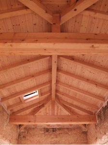 Ricostruzione strutture di copertura in legno dell'altana