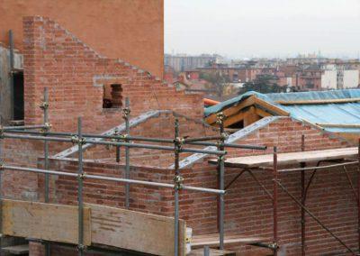 Risanamento/ricostruzione muri sottotetto e nuovi cordoli metallici alla sommità (continui e collegati alle murature), vista generale